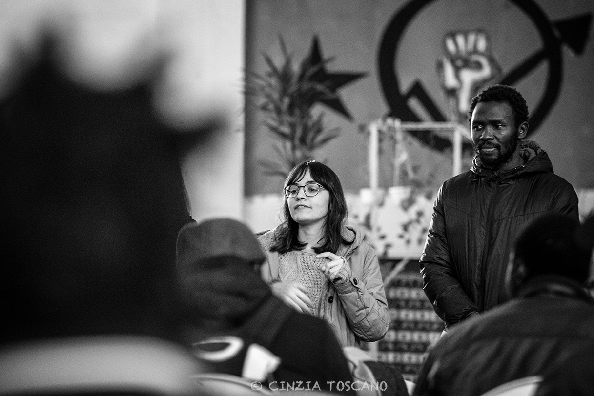 Il racconto fotografico dell'accoglienza. Intervista alla fotografa Cinzia Toscano