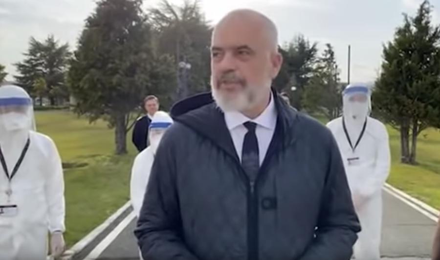 """Medici e infermieri dall'Albania per aiutare l'Italia: """"Non siamo ricchi, ma neanche privi di memoria"""""""